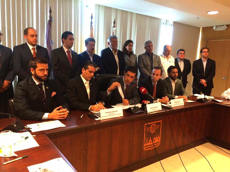Richard Martínez: las empresas se están quedando sin oxígeno