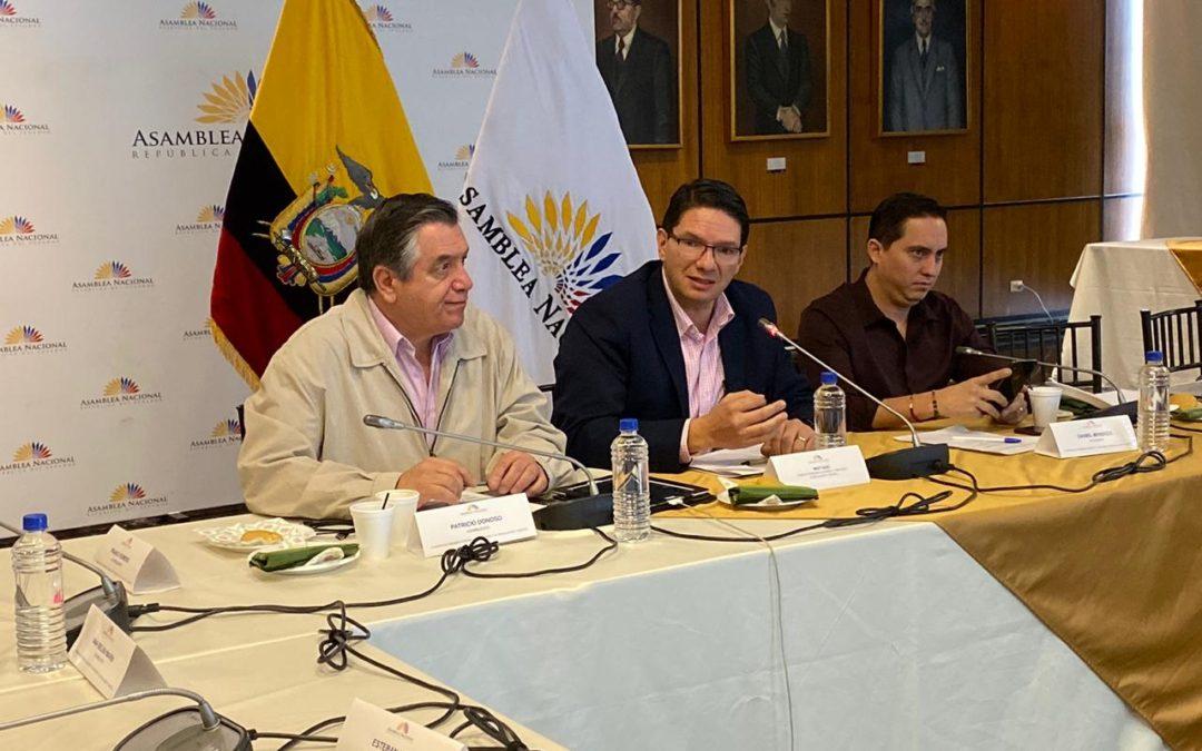 Pablo Zambrano compareció ante la Comisión de Régimen Económico de la Asamblea Nacional