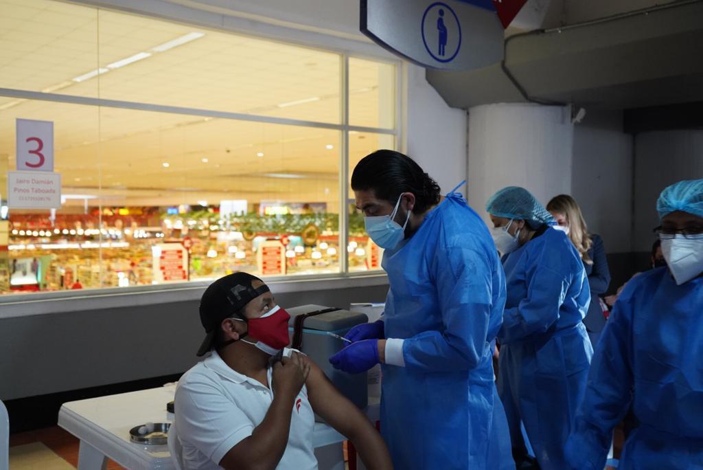 Vacunación en Corp. Favorita